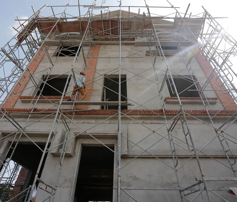 Tô trát biệt thự tân cổ điển 3 tầng tại Tân Phú [Video]