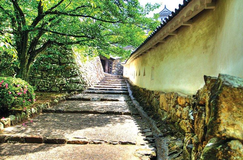 Trầm trồ trước vẻ đẹp thanh tao của lâu đài Himeji ở Nhật Bản - 05