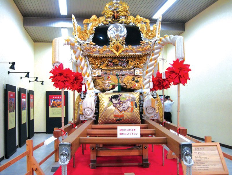 Trầm trồ trước vẻ đẹp thanh tao của lâu đài Himeji ở Nhật Bản - 06