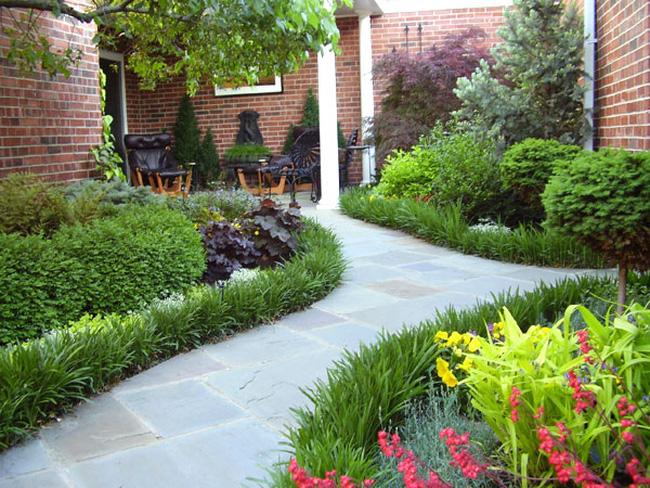 Gợi ý 3 mẫu thiết kế sân vườn đẹp cho biệt thự 2 tầng hiện đại