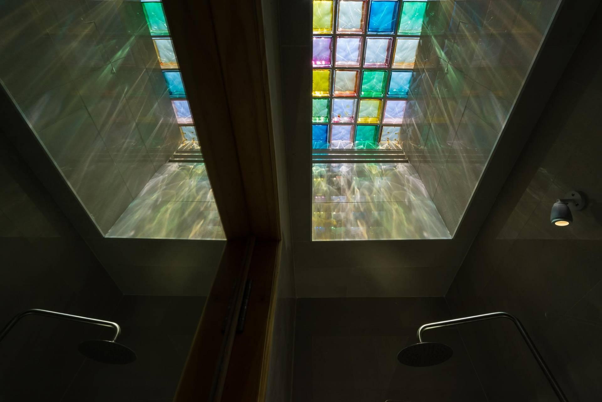 Bạn đã biết cách sử dụng ô sáng cho mẫu nhà ống 2 tầng đẹp