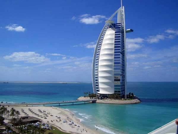 Kiến trúc độc đáo của khách sạn 7 sao đầu tiên của thế giới Burj Al Arab - 01