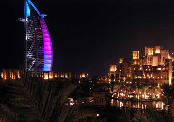 Kiến trúc độc đáo của khách sạn 7 sao đầu tiên của thế giới Burj Al Arab - 07