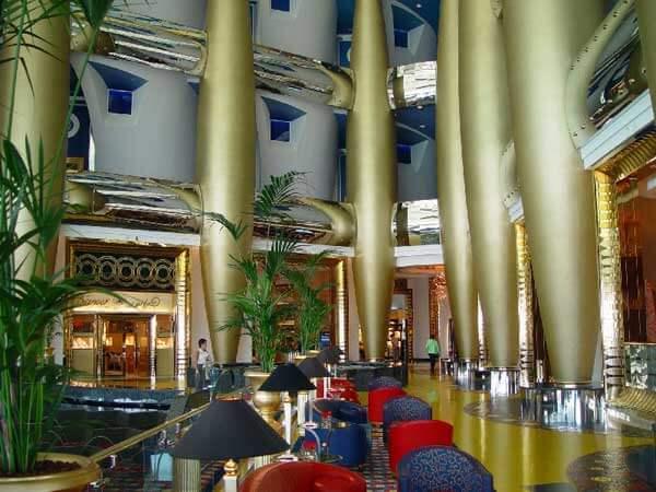 Kiến trúc độc đáo của khách sạn 7 sao đầu tiên của thế giới Burj Al Arab - 10