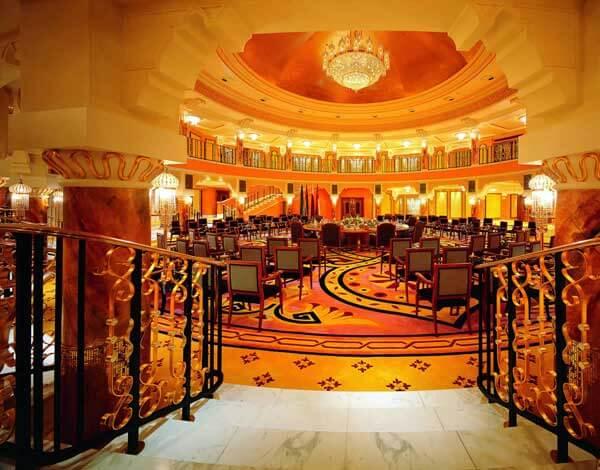 Kiến trúc độc đáo của khách sạn 7 sao đầu tiên của thế giới Burj Al Arab - 12