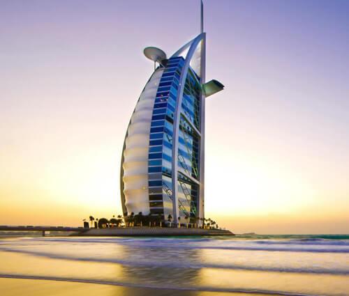 Kiến trúc độc đáo của khách sạn 7 sao đầu tiên của thế giới Burj Al Arab