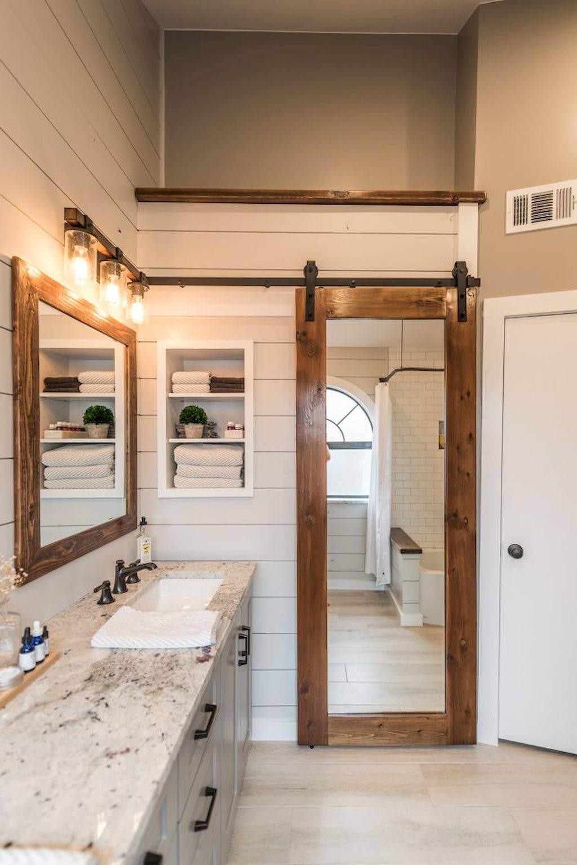 Phòng tắm phong cách Rustic cho nhà 5 tầng hiện đại