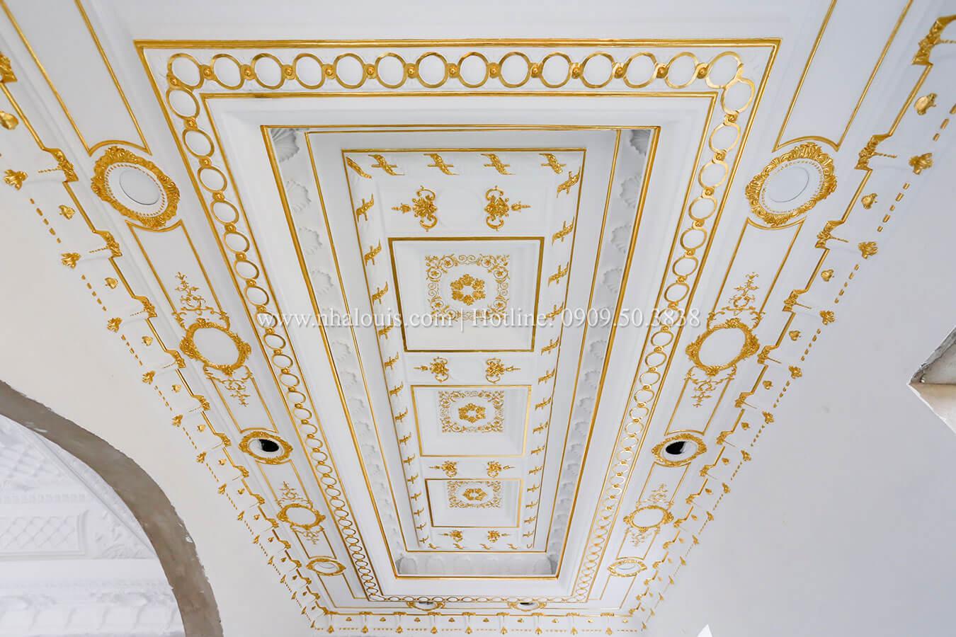 Điều cần biết về trần thạch cao cổ điển cao cấp cho biệt thự cổ điển 2 tầng