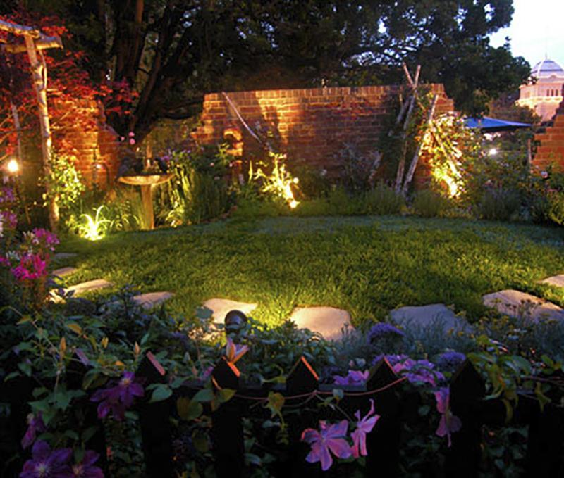 Bí quyết thiết kế hệ thống chiếu sáng sân vườn biệt thự có tầng hầm siêu lãng mạn