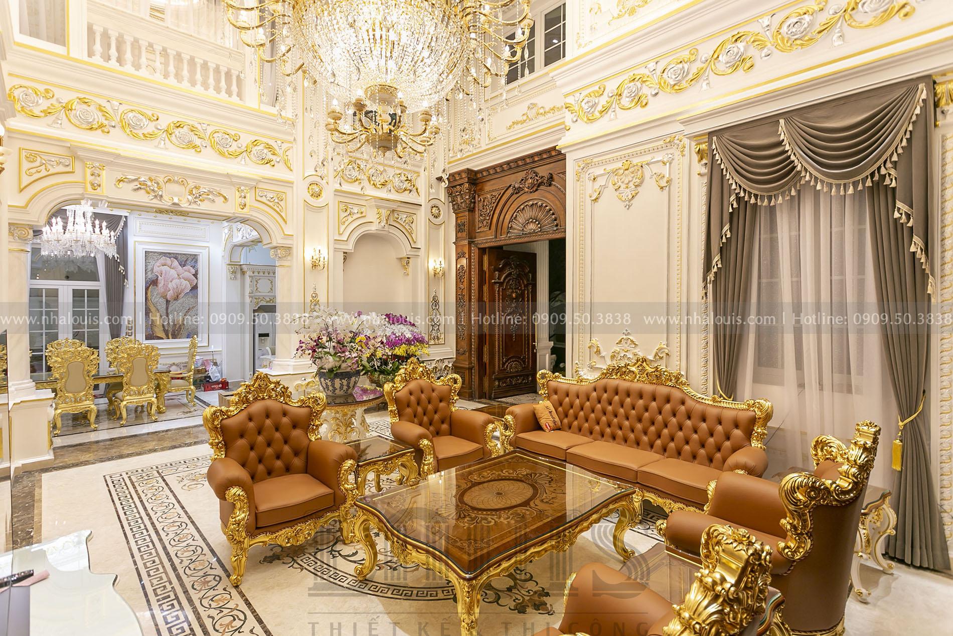 Phòng khách cổ điển biệt thự Nhà Bè
