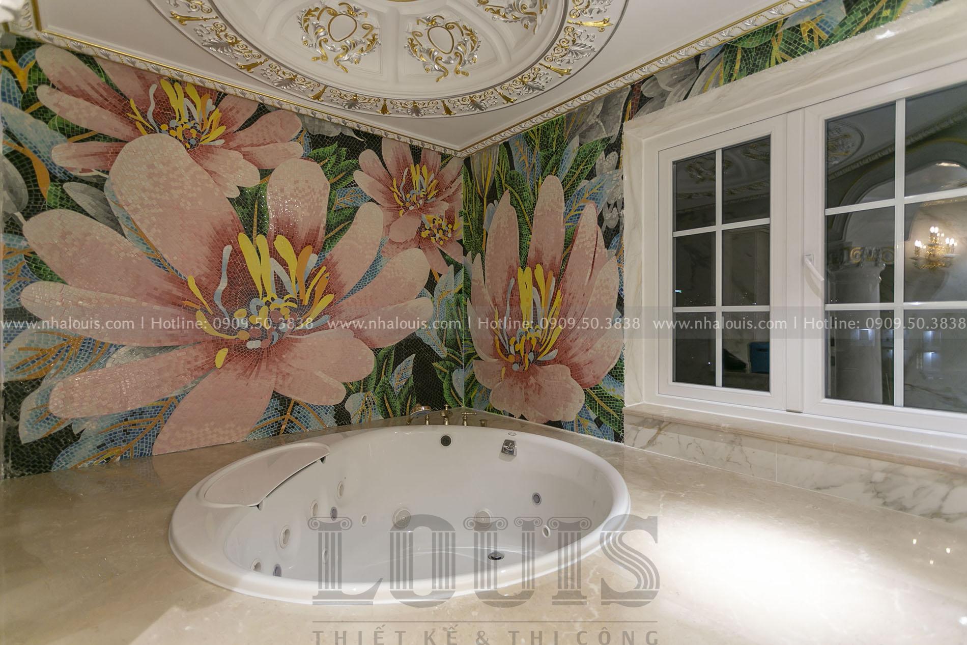 Phòng tắm master biệt thự cổ điển nhà bè