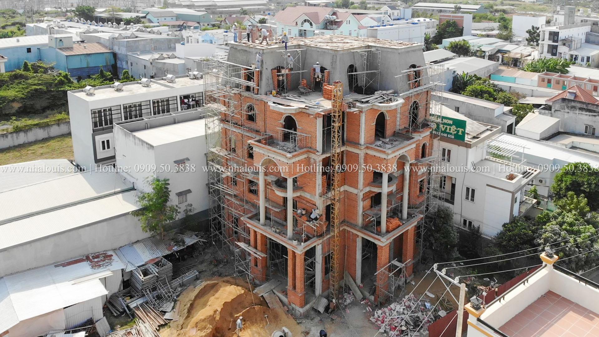 Hình ảnh đổ bê tông mái biệt thự hoàn tất