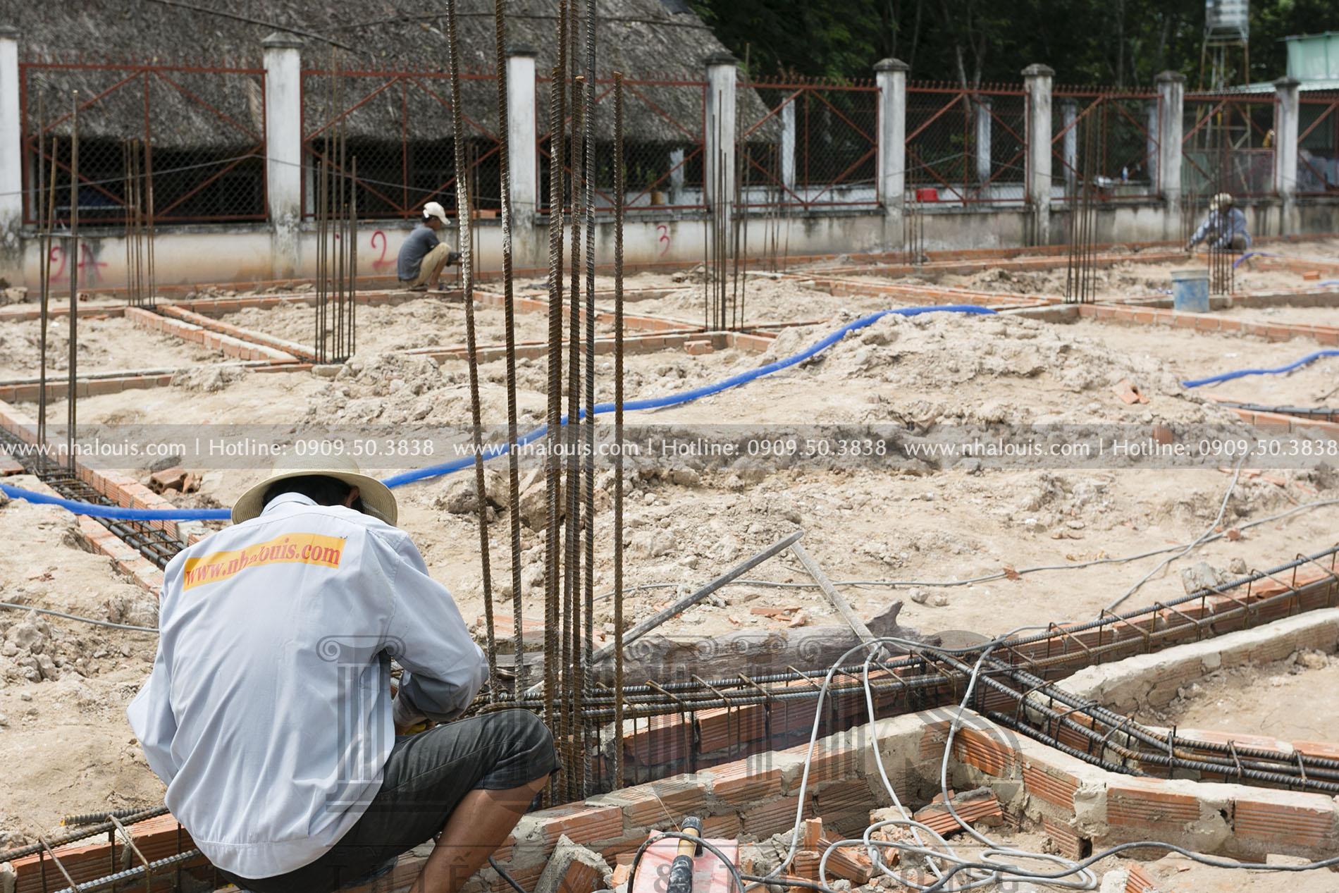 Đổ bê tông sàn tầng trệt biệt thự kiểu Nhật 2 tầng tại Bình Dương