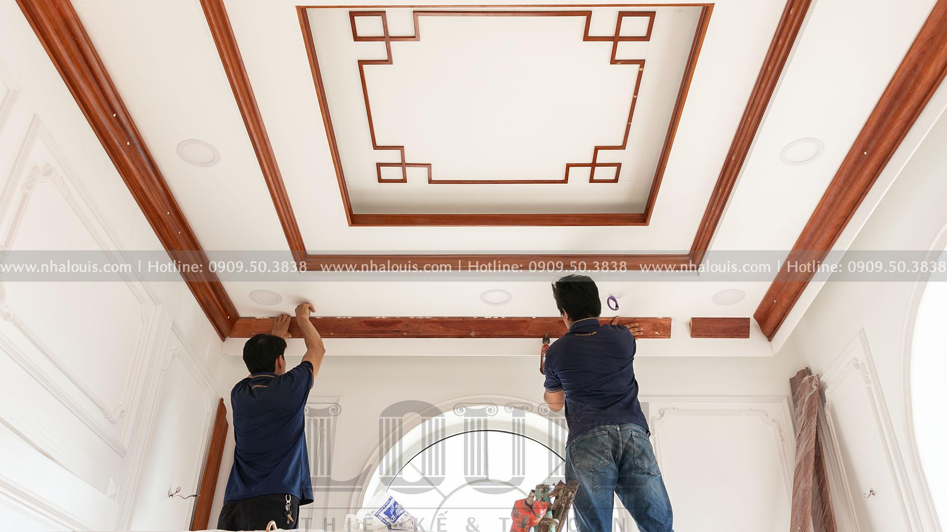 Lắp đặt nội thất gỗ cho phòng thờ biệt thự tân cổ điển Củ Chi