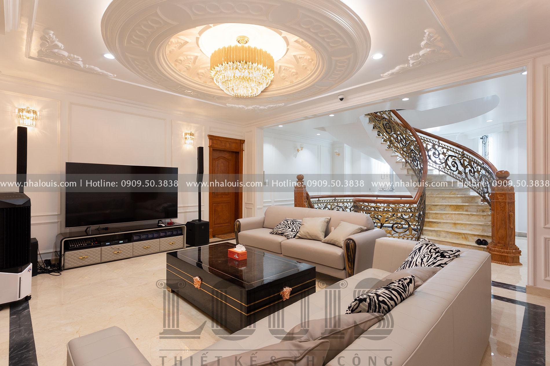 Thi công biệt thự 3 tầng mái thái cổ điển giá triệu đô tại Thủ Đức