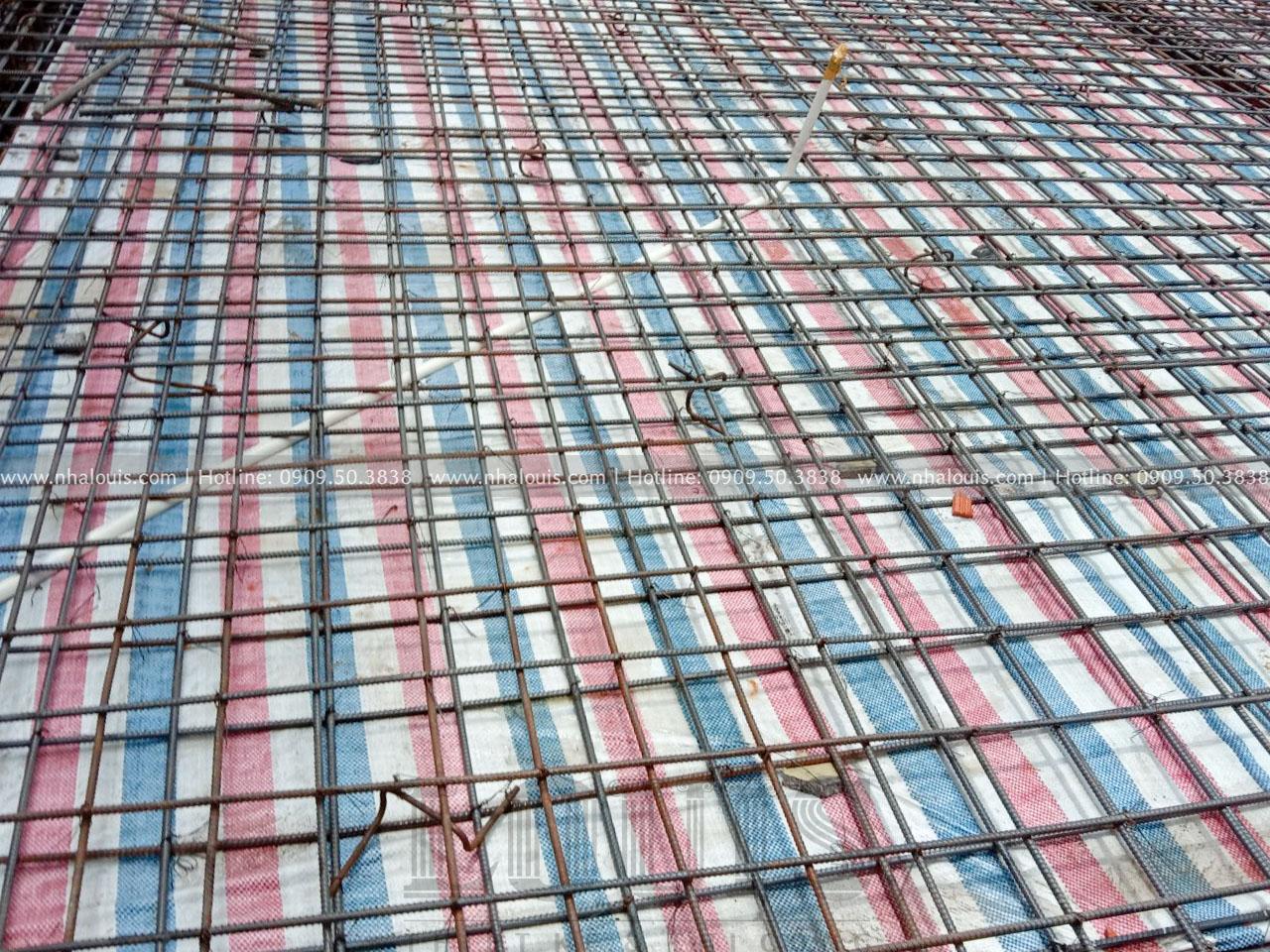 Đổ bê tông sàn tầng trệt biệt thự 5 tầng cổ điển tại Long An