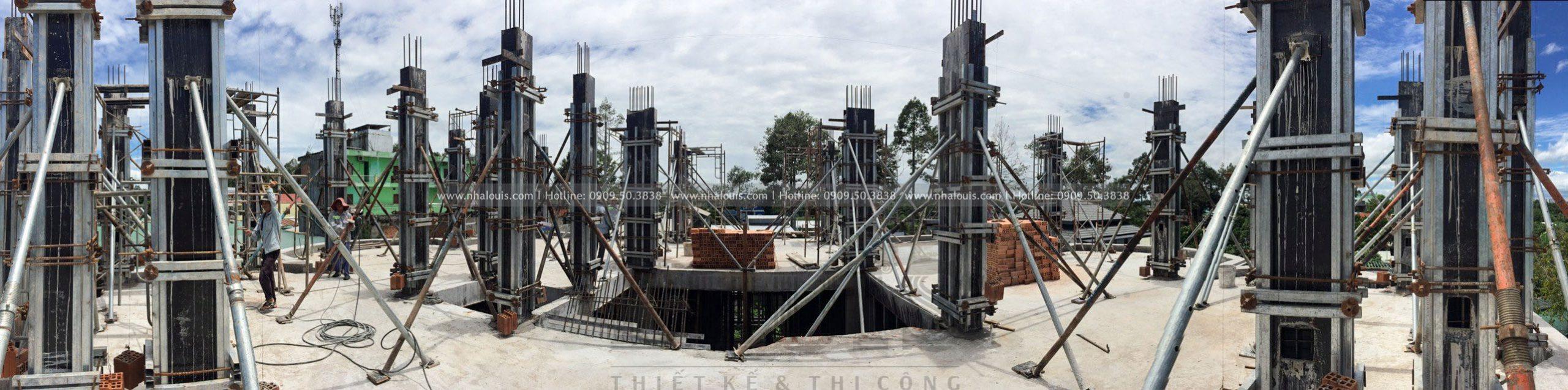 Thi công đổ bê tông cột tầng 2 biệt thự Đồng Tháp