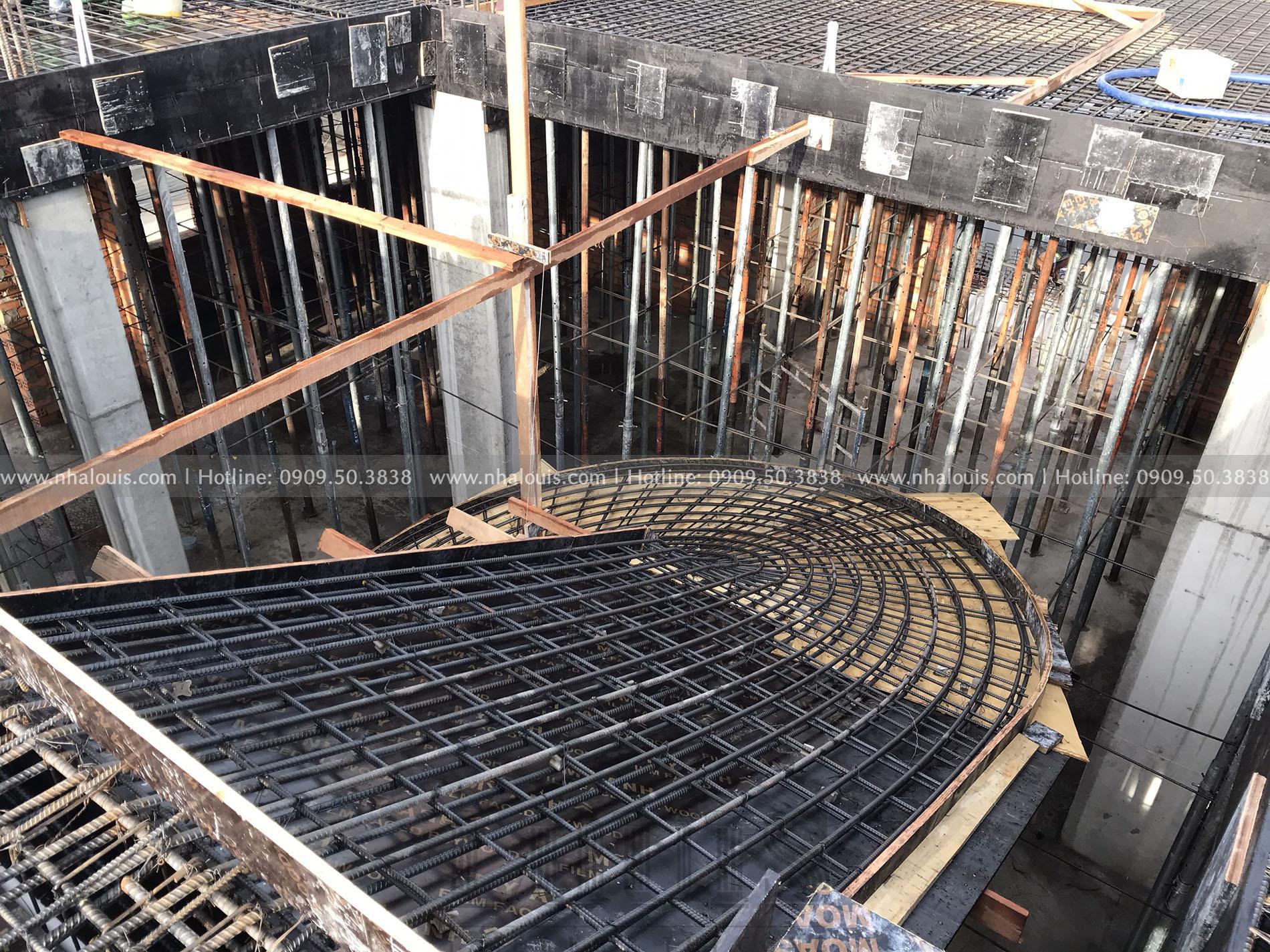 Thi công đổ bê tông sàn tầng 1 biệt thự Đồng Tháp