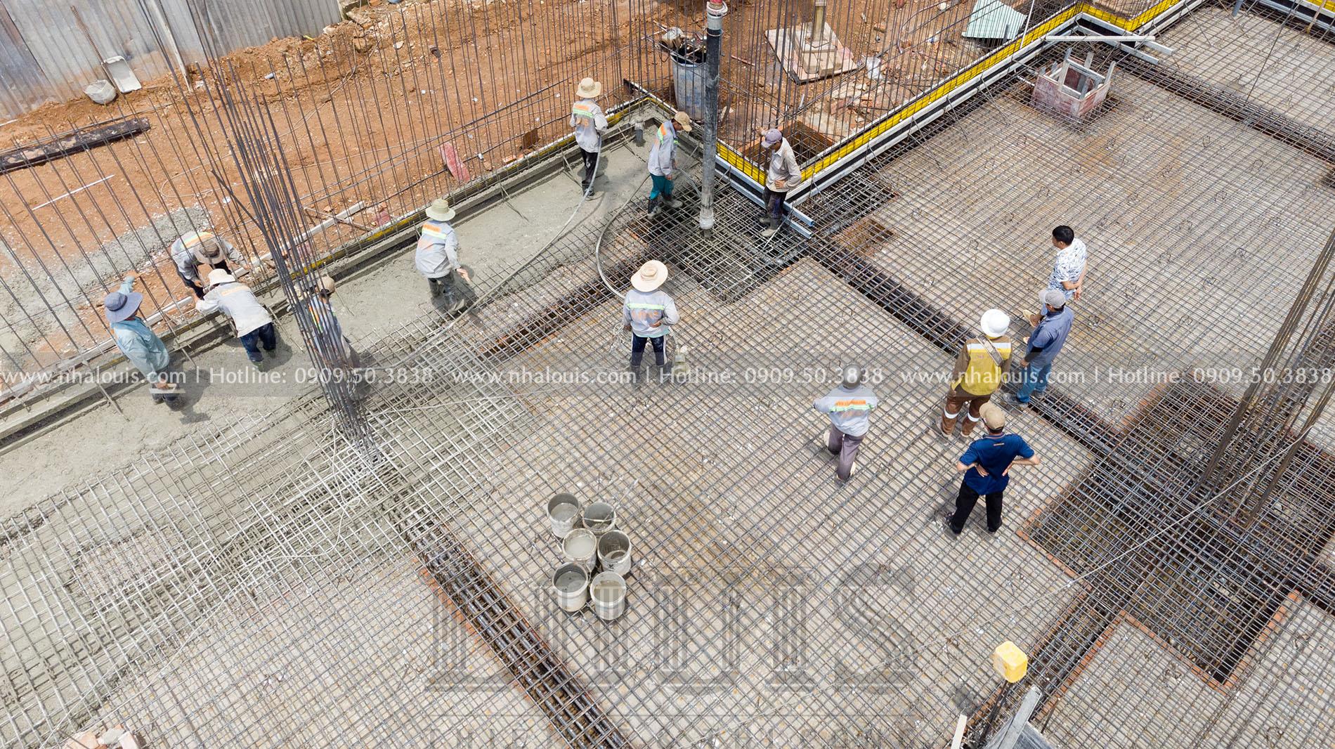 đổ bê tông móng và sàn tầng hầm biệt thự cổ điển Bình Phước