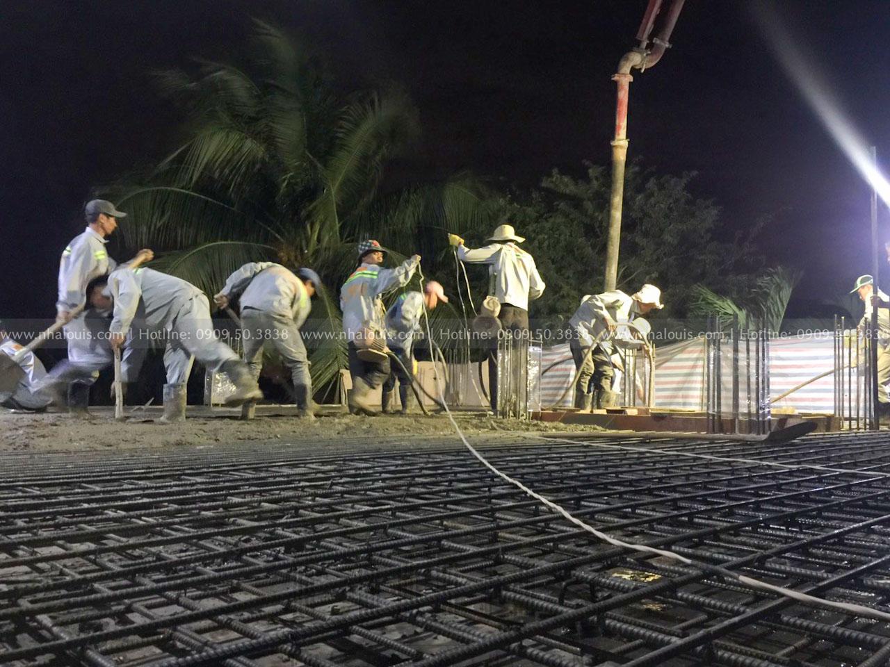 đổ bê tông sàn tầng 1 biệt thự cổ điển Đồng Nai